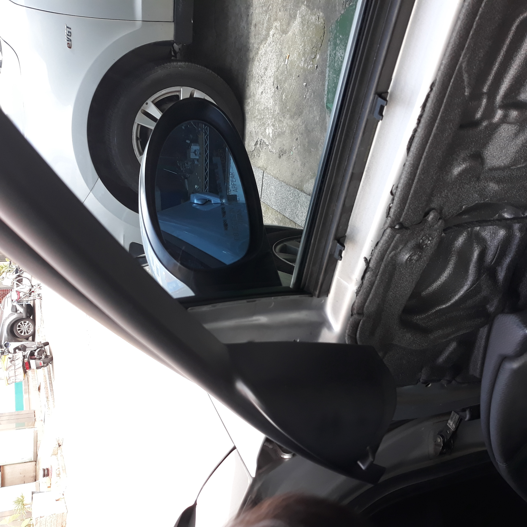 BMW 320i RH side mirror